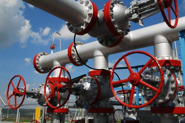 depositphotos_8984079-stock-photo-russian-oil-production-installation-unit